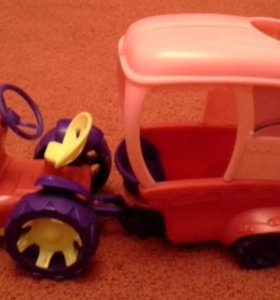 Трактор с перевозкой для лошадей