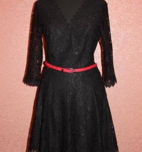 Кружевное изящное платье