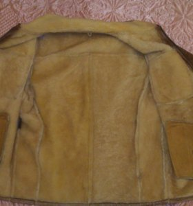 Мужская кожаная куртка с мехом овчины