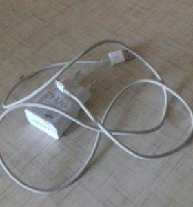 Блок Samsung, и кабель от айфона 5 (s)