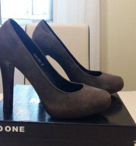 Туфли замшевые,новые