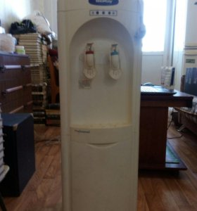 Кулер напольный.кулер для воды.Кулер кухонный.