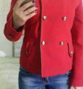 Пальто демисезонное б/у