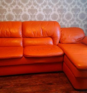 Продаю кожаный угловой диван