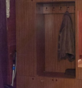 Шкаф прихожий