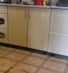 Продается кухонный гарнитур.