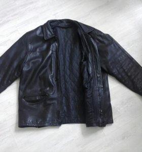 Мужская кожаная куртка. Размер большой.