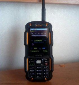 Противоударный, влагозащищенный телефон