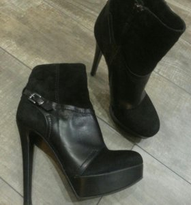 Демисезонные натуральные ботиночки новые.36-37р.