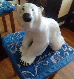 Медведь фарфоровый