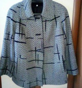 Продам пальто женское 50 размер