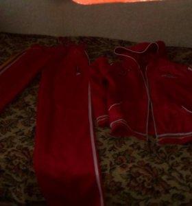 Продам женский спортивный кастюм,джинсы,свитерок