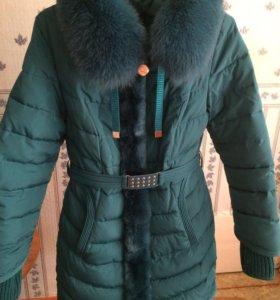 Куртка,с натуральным мехом.