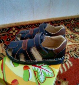 Детская новая обувь 29,30,33,35,36,37 размер