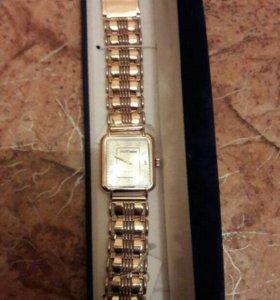 Продам новые золотые часы