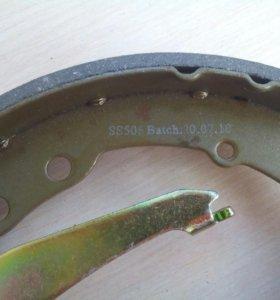Тормозные колодки задние Пассат Б3