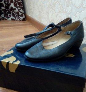 Туфли для народных танцев рр 35