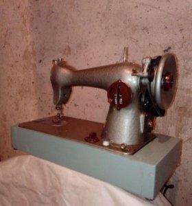 Швейная машина бытовая