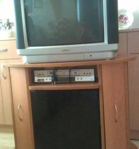 Телевизор с тумбочкой можно по отдельности