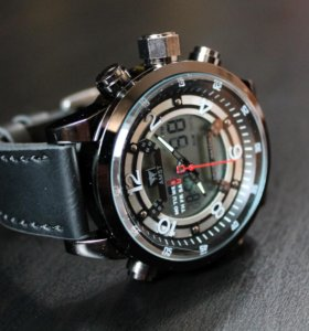 Стильные часы Amst