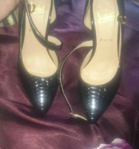 Абсолютно новые туфли 36 размера