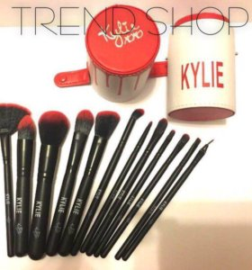 Набор кистей для макияжа Kylie Jenner