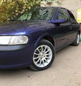 Opel vectra b 1996год