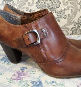 Продам женские ботинки, 40 размер. Тамарис