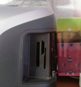 Фотопринтер с возможностью печати на CD, DVD