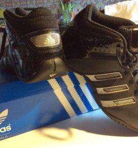Adidas кроссы баскетбольные