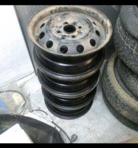 Штампованные диски на Hyundai 4 шт.