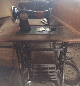 Машинка швейная Зингер