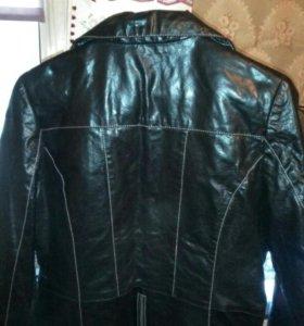 Куртка женская кожа черная р.L