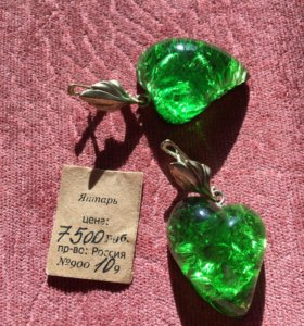 Серьги из янтаря (зелёного цвета)