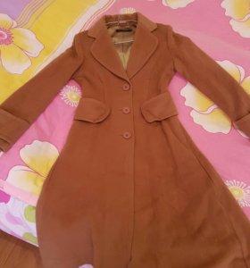 Пальто женское .