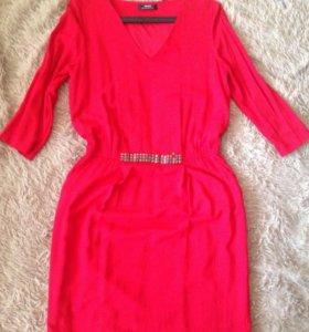 Красное платье mexx