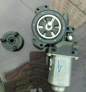 Моторчик для стеклоподъемника