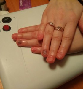 Маникюр, наращивание ногтей.