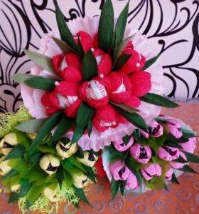 Букеты цветов, с конфетками.
