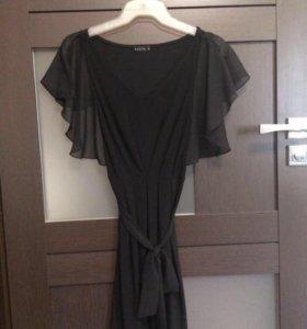Платье очень красивое)))