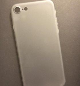 Чехол на iPhone 7.