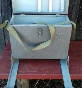 Ящик для зимний рыбалки с полозьями