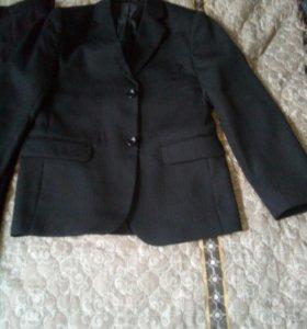 Брюки и пиджак школьный