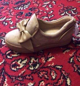 Новые Туфли-полуботинки