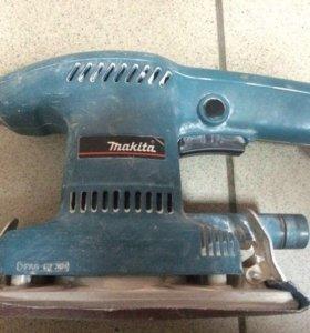 Бу машинка вибрационная Makita 9036