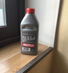 Тормозная жидкость Motul dot 3&4 1л