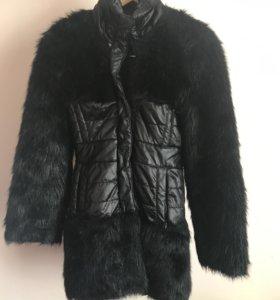 Пальто с массивным искусственным мехом