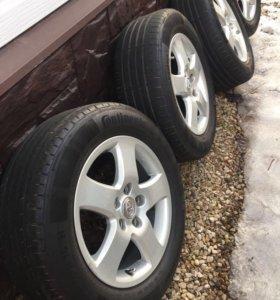 Резина Continental на литых дисках Toyota Camry