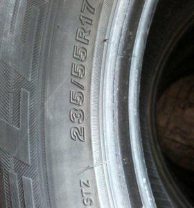 комплект шин 235/55 17 Bridgestone