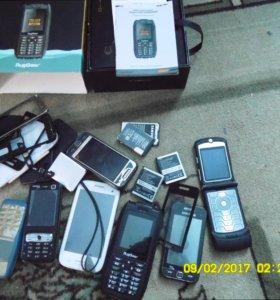 Продам телефоны.